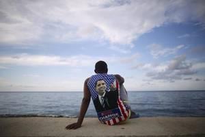 1 Ιουλίου 2015: Ο Μπαράκ Ομπάμα ανακοινώνει το άνοιγμα της αμερικάνικης πρεσβείας στην Αβάνα, γεγονός που εκκινούσε και πάλι τις διπλωματικές σχέσεις ΗΠΑ-Κούβας.