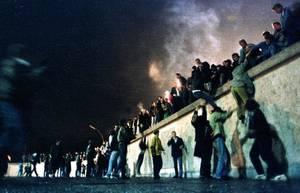 Δεκέμβριος 1991: Η Σοβιετική Ένωση, ο μεγαλύτερος ευεργέτης της Κούβας, καταρρέει και το νησί βυθίζεται σε μία οικονομική κρίση από την οποία δεν έχει ακόμη συνέλθει.