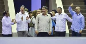 Σεπτέμβριος 1998: Οι ΗΠΑ συλλαμβάνουν πέντε κουβανούς αξιωματούχους και τους καταδικάζουν για κατασκοπεία, συνωμοσία και αριθμό δολοφονιών.Και οι πέντε απελευθερώθηκαν μεταξύ 2011-2014.