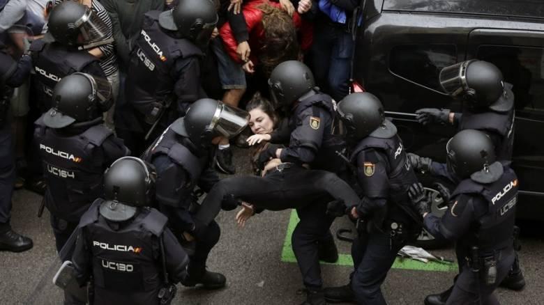 Η μάχη της Καταλονίας: Οδομαχίες, πλαστικές σφαίρες και ματωμένες κάλπες για την ανεξαρτησία