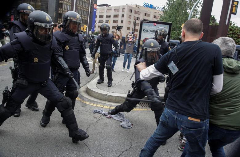 2017 10 01T135453Z 558713732 RC121D337570 RTRMADP 3 SPAIN POLITICS CATALONIA