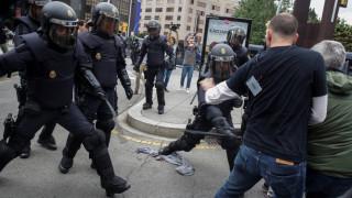«Ωμή βία»: Τα πρωτοσέλιδα του διεθνούς Τύπου για το δημοψήφισμα στην Καταλονία