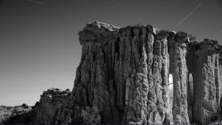 Carved Caves: Όταν το μεράκι «χαράζεται» πάνω στη Γη