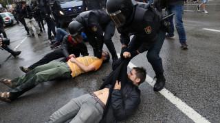 Η Μαδρίτη απειλεί με αναστολή εξουσιών την τοπική κυβέρνηση της Καταλονίας (pics&vids)