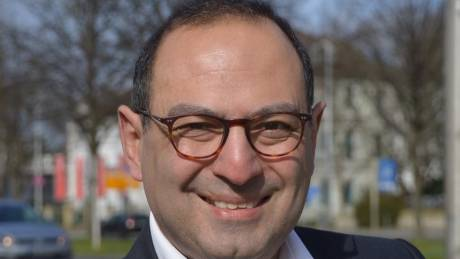 Ο πρώτος ελληνικής καταγωγής βουλευτής στην Μπούντεσταγκ