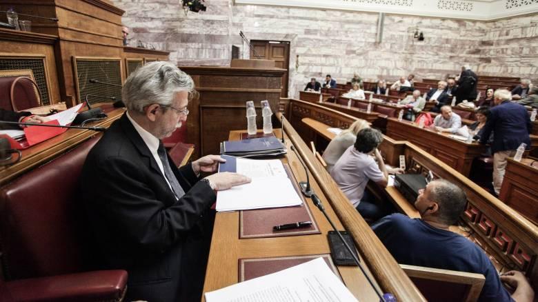 «Πράσινο φως» από την Επιτροπή της Βουλής στο ν/σ για την αλλαγή φύλου