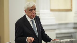 Ο Προκόπης Παυλόπουλος καταδίκασε τις επιθέσεις εναντίον του καθηγητή Άγγελου Συρίγου