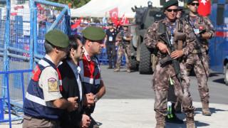 Βαριές ποινές σε στρατιωτικούς που κατηγορούνται για την απόπειρα δολοφονίας του Ερντογάν