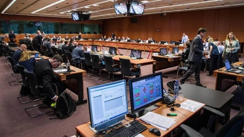 Μειώσεις φόρων θα εξετάσει το Eurogroup, αλλά όχι για την Ελλάδα
