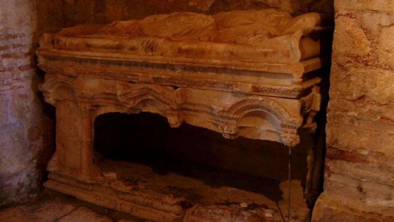 Τούρκοι αρχαιολόγοι υποστηρίζουν ότι βρήκαν τον τάφο του Άγιου Βασίλη