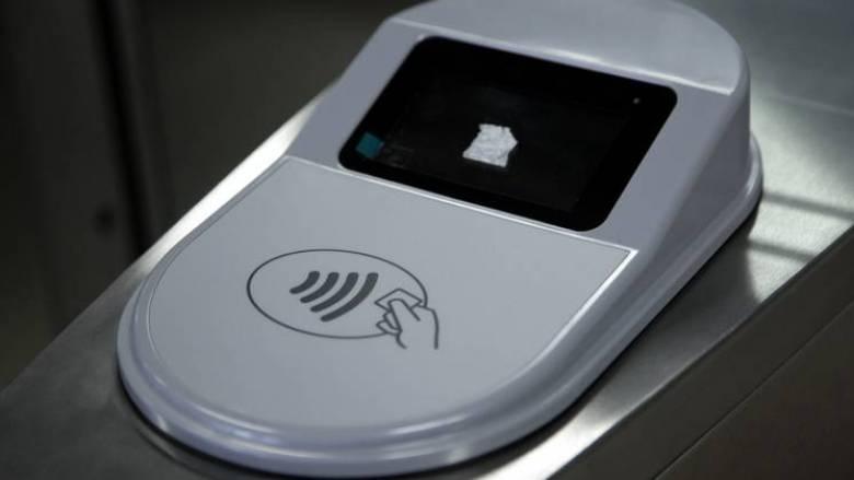 Κόντρα Σπίρτζη-ΣΤΑΣΥ για το ηλεκτρονικό εισιτήριο