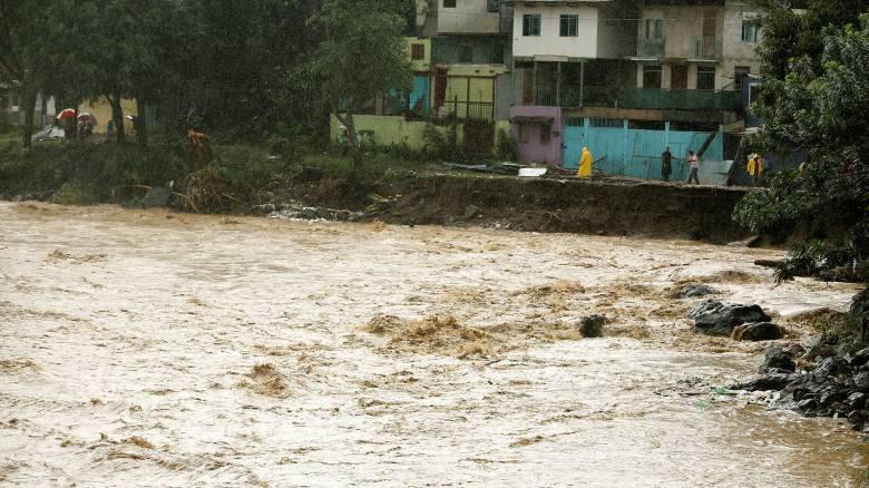 Νέα τροπική καταιγίδα «σαρώνει» την Κεντρική Αμερική και κατευθύνεται προς τις ΗΠΑ