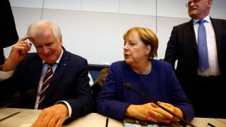 Ξεκίνησε η Μέρκελ συνομιλίες για σχηματισμό κυβέρνησης