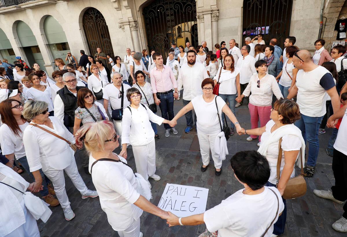 2017 10 07T110836Z 622916973 RC159DFFC170 RTRMADP 3 SPAIN POLITICS CATALONIA