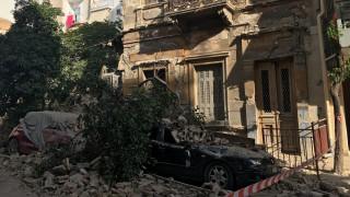 Οι πρώτες εικόνες από το σημείο κατάρρευσης του κτιρίου στον Πειραιά (pics)