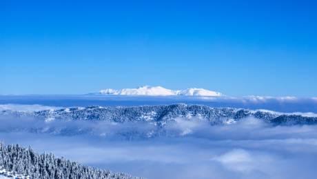 Το «έστρωσε» στο Νυμφαίο – Έπεσε το πρώτο χιόνι (pic)