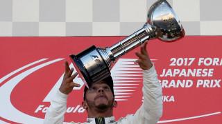 F1: Αγκαλιά με τον τίτλο ο Χάμιλτον νικώντας στην Ιαπωνία, εγκατέλειψε ο Φέτελ (vid)