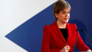 Στέρτζον: Δεν θα ορίσουμε ακόμη χρονοδιάγραμμα για το δημοψήφισμα στη Σκωτία