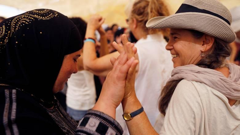 Κοινή πορεία Ισραηλινών και Παλαιστίνιων γυναικών υπέρ της ειρήνης (pics)
