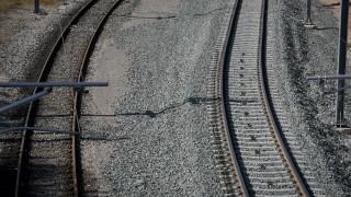Οινόφυτα: 27χρονος παρασύρθηκε από τρένο