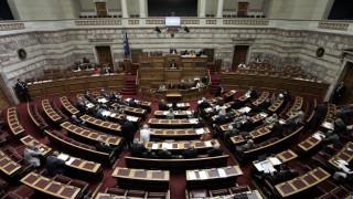Κόντρες, αλλαγές και «ανταρσίες» στη συζήτηση του σχεδίου νόμου για το φύλο