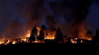 Εκτός ελέγχου η πυρκαγιά στην Καλιφόρνια - Δέκα οι νεκροί