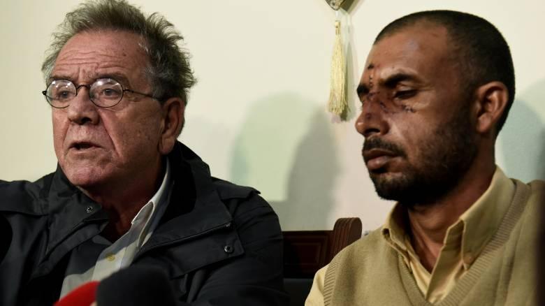 Ο Μουζάλας επισκέφτηκε θύμα της επίθεσης στον Ασπρόπυργο (pics)