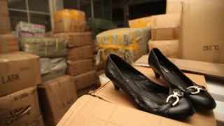 Επιτήδειοι πουλούσαν «μαϊμού» παπούτσια για επώνυμα στο διαδίκτυο και θησαύρισαν