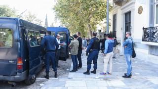 Συνελήφθησαν οι προσαχθέντες για την εισβολή του Ρουβίκωνα στην πρεσβεία Ισπανίας