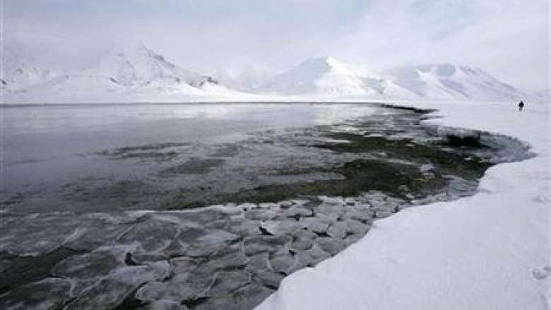 Μυστηριώδης τρύπα εντοπίστηκε στους πάγους της Ανταρκτικής