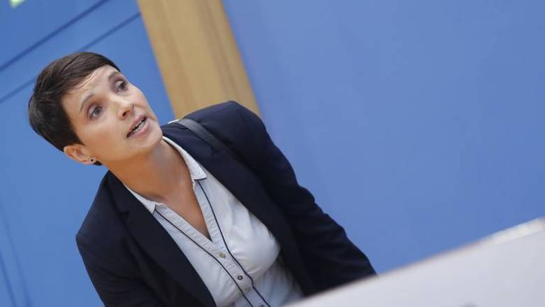 Ανακοινώνει το νέο της κόμμα η πρώην αρχηγός της AfD Φράουκε Πέτρι