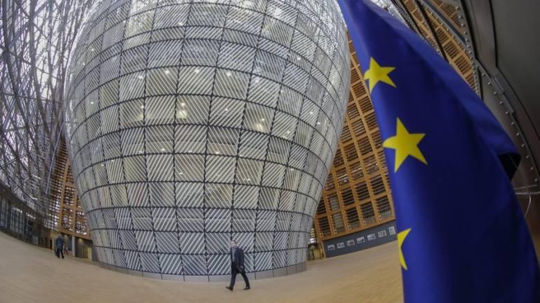 Βρυξέλλες: Δηλητηριάσεις από αναθυμιάσεις χημικών σε κτίριο της ΕΕ