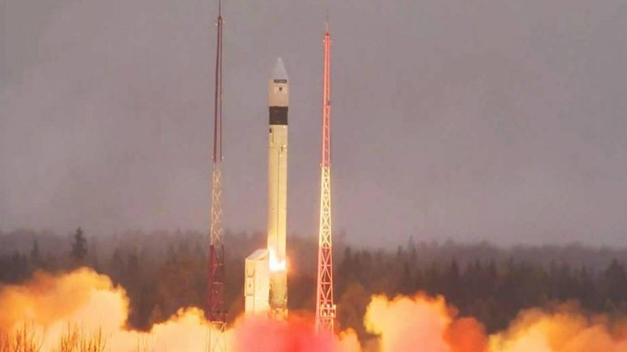 Εκτοξεύτηκε ο ευρωπαϊκός δορυφόρος που θα παρακολουθεί την ατμόσφαιρα και τη ρύπανση (vid)
