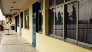 Μυστήριο με τις πολλαπλές «επιθέσεις» με ναφθαλίνη σε σχολεία του Αγρινίου