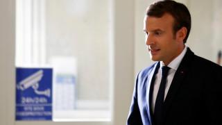 Μακρόν σε Ροχανί: Η Γαλλία θα συνεχίσει να τηρεί τις δεσμεύσεις της στους όρους της συμφωνίας