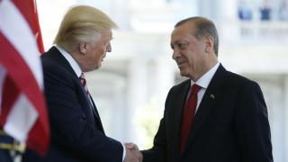 Welt: Η εχθρότητα του Ερντογάν προς τις ΗΠΑ θα του κοστίσει ακριβά