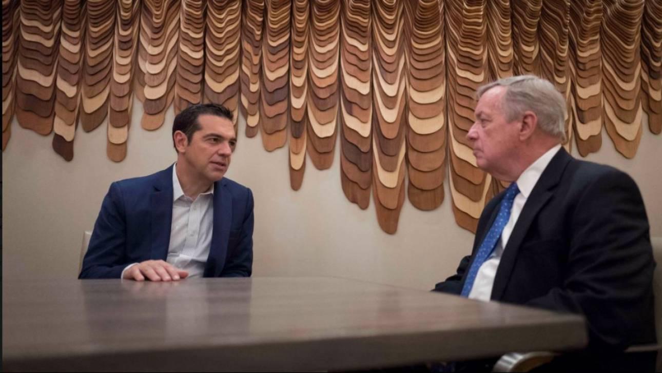 Επενδύσεις και ενέργεια στο «μενού» της συνάντησης Τσίπρα με τον γερουσιαστή Ντικ Ντέρμπιν