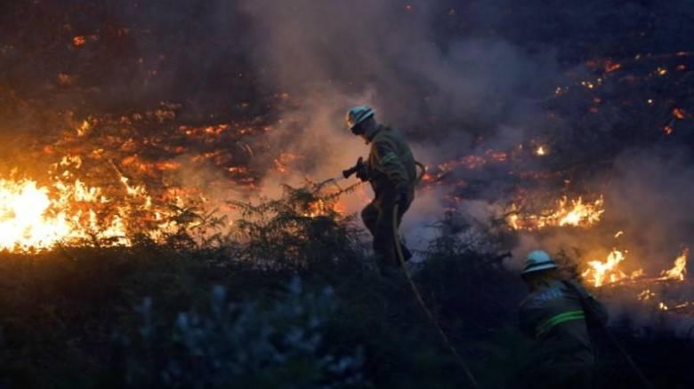 Στις φλόγες η Ιβηρική Χερσόνησος - Νεκροί σε Πορτογαλία και Ισπανία (pics&vids)