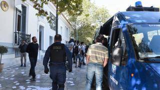 Βίντεο από την κατάληψη του Ρουβίκωνα στην πρεσβεία της Ισπανίας