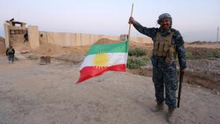 Κιρκούκ: Οι ιρακινές δυνάμεις ανύψωσαν την σημαία τους σε κυβερνητικό κτίριο