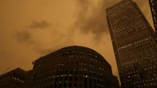Ο ουρανός του Λονδίνου βάφτηκε… κίτρινος (pics)