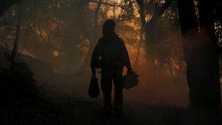 Καλιφόρνια: Πρόοδος στις προσπάθειες κατάσβεσης των πυρκαγιών - Φόβοι για αύξηση των νεκρών