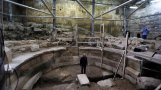 Θέατρο 1.700 ετών αποκάλυψε η αρχαιολογική σκαπάνη κάτω από το Τείχος των Δακρύων