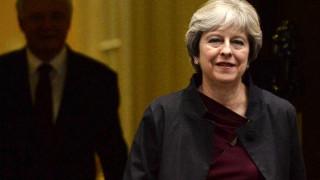 Μέι: Ο τελικός λογαριασμός του Brexit θα καθοριστεί αφού διευθετηθούν όλα τα ζητήματα