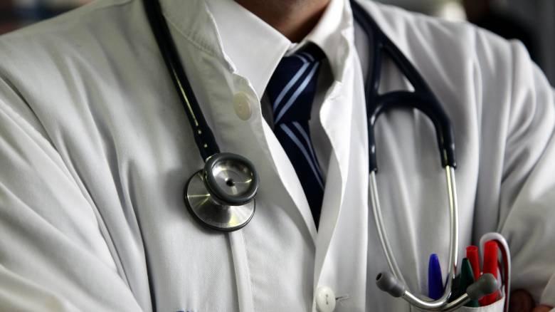 Τρεις γιατρούς «μαϊμού» στέλνει ο ΙΣΑ στον εισαγγελέα