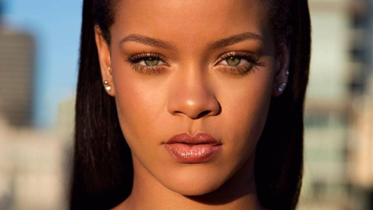 Rihanna: Η «βασίλισσα» των Μπαρμπέιντος τώρα και ...οδός