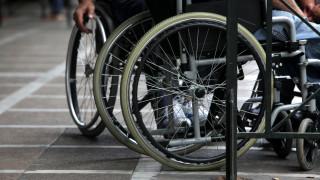 Θεσσαλονίκη: Επιτήδειοι παίρνουν τα καπάκια που προορίζονται για τα αναπηρικά αμαξίδια