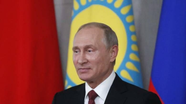 Ο Βλαντιμίρ Πούτιν σκάει στα γέλια με δήλωση υπουργού του (vid)