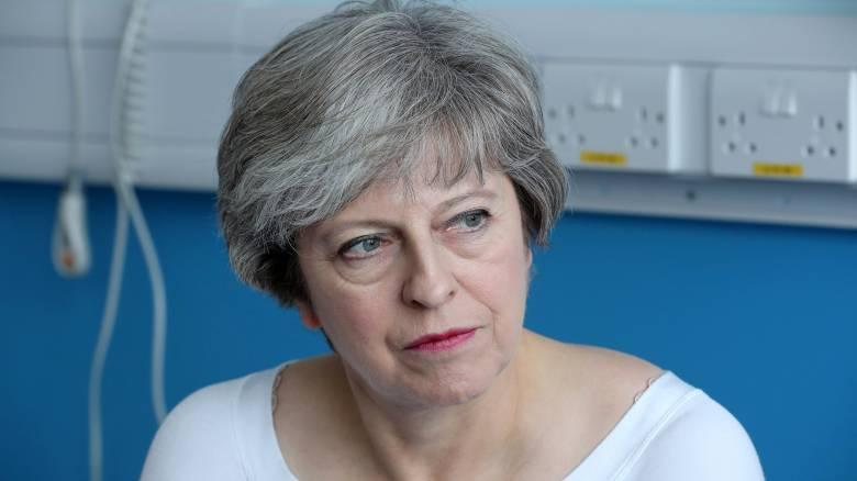 Μέι: Εξετάζουμε και το ενδεχόμενο ενός Brexit χωρίς συμφωνία