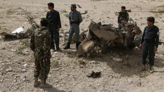 Βομβιστική επίθεση κατά στρατιωτικής βάσης στο Αφγανιστάν - Δεκάδες νεκροί